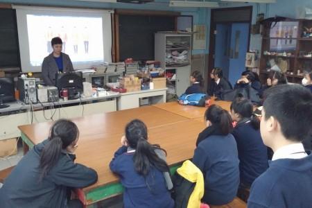 曾佳梁校友於12月4日到訪學校
